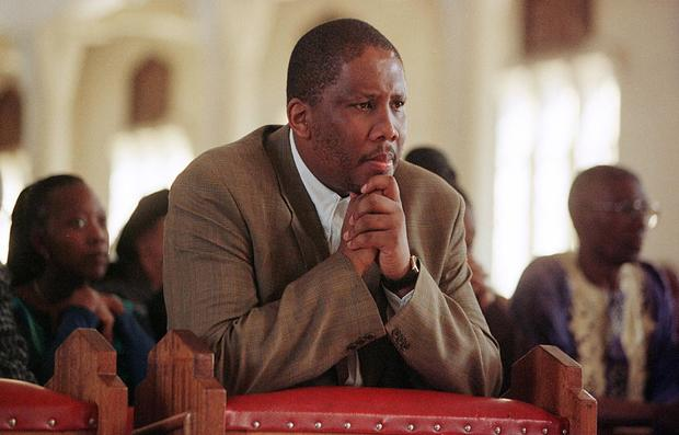 King Letsie III of Lesotho pray, 27 September duri