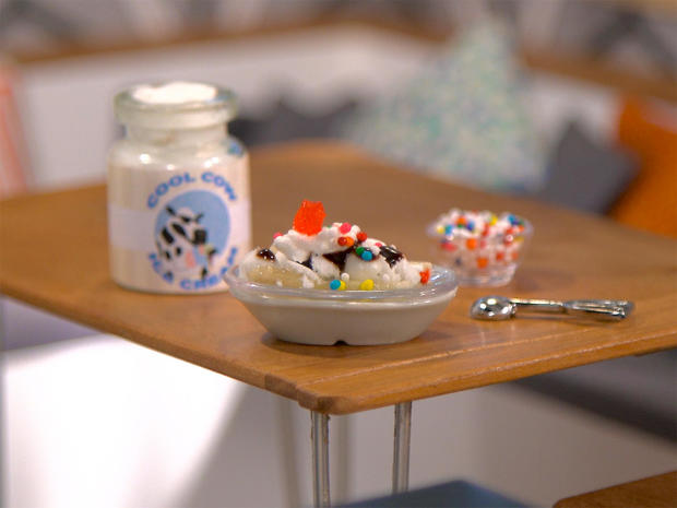 tiny-food-ice-cream-sundae.jpg