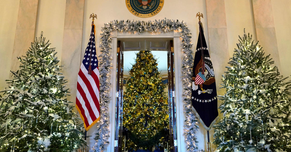 melania trump unveils white house christmas decorations cbs news