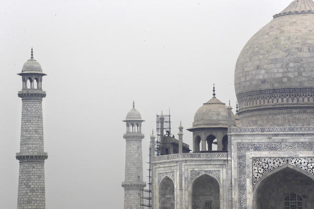 India Taj Mahal Cleaning