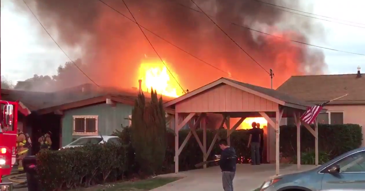2 dead after small plane crashes into San Diego house, fire officials say - CBS News