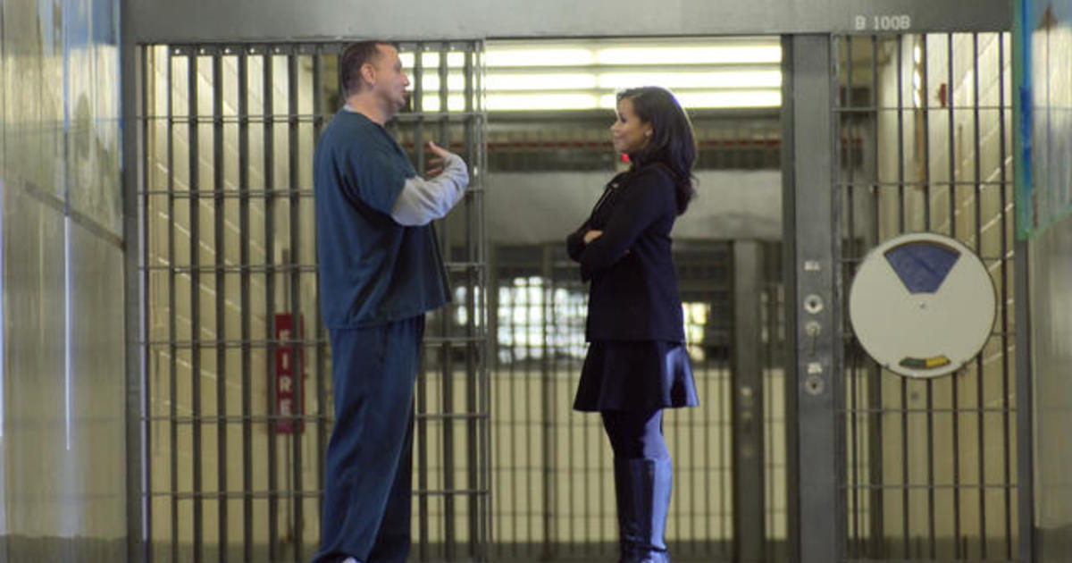 Chris Tapp's life in prison - CBS News