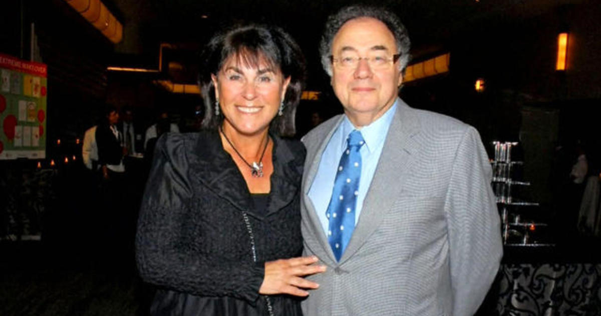 Deaths of billionaire couple remains a tantalizing mystery