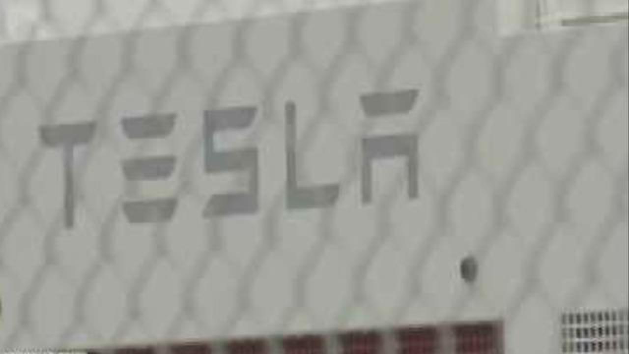 Tesla S Mega Battery Put To The Test In Australia Cbs News