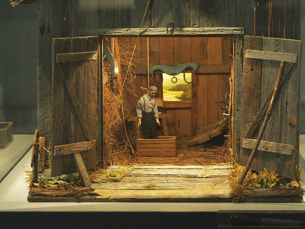 Dollhouse crime scenes - CBS News