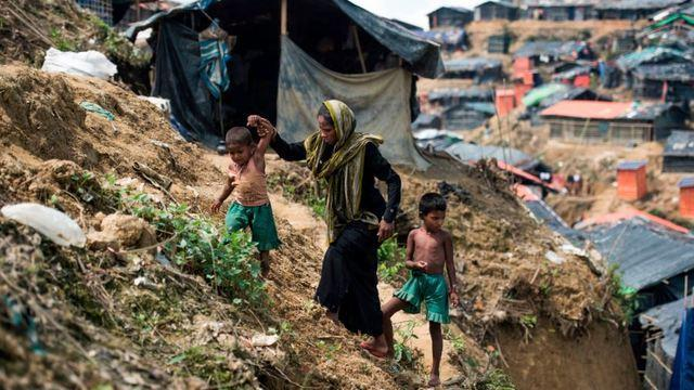 cbsn-fusion-refugees-from-rohingya-found-dead-in-mass-graves-in-bangladesh-camps-thumbnail-1493565-640x360.jpg