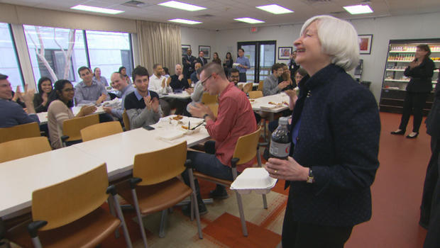 janet-yellen-fedral-reserve-cafeteria-620.jpg