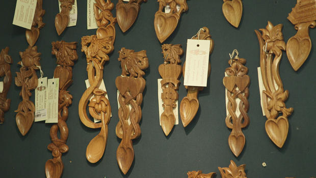 welsh-lovespoons-display-cardiff-620.jpg
