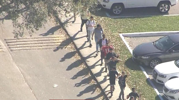 180214-parkland-florida-school-shooting-01.jpg