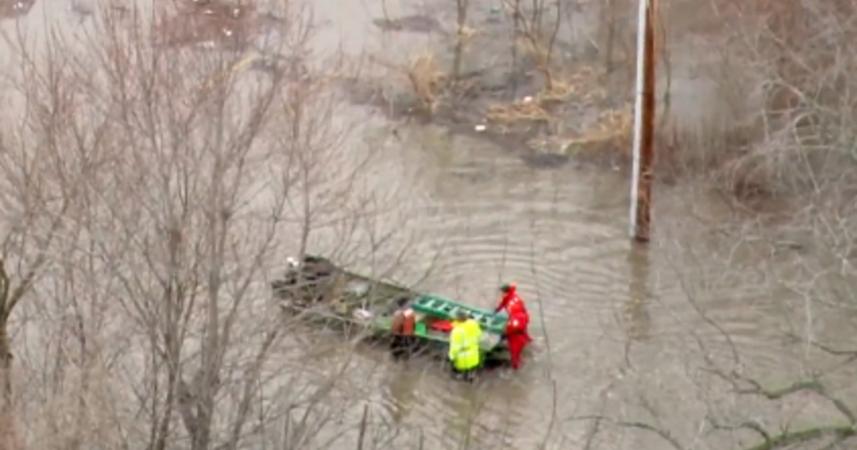 Swollen rivers keep rising as Midwest flooding forces people from homes