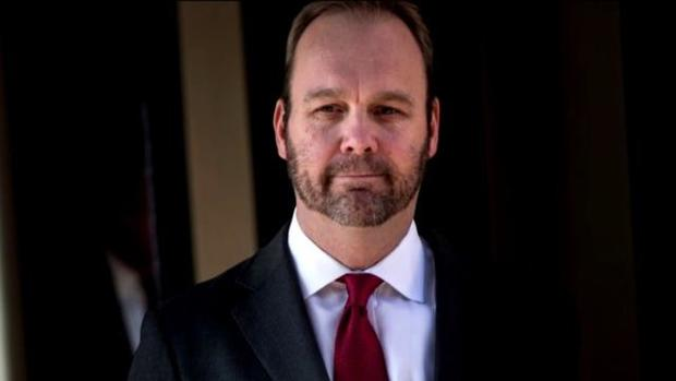 cbsn-fusion-rick-gates-pleads-guilty-in-russia-probe-thumbnail-1508159-640x360.jpg