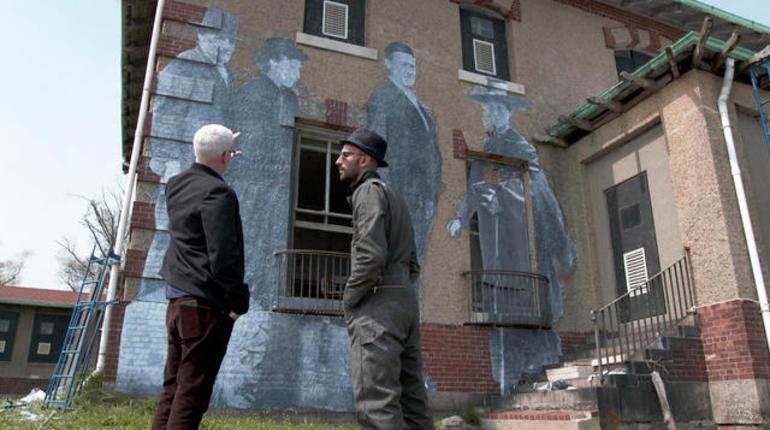 Artists Hidden Message On Ellis Island Cbs News