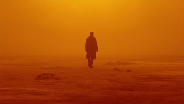 blade-runner-2049-ryan-gosling-silhouette-620.jpg