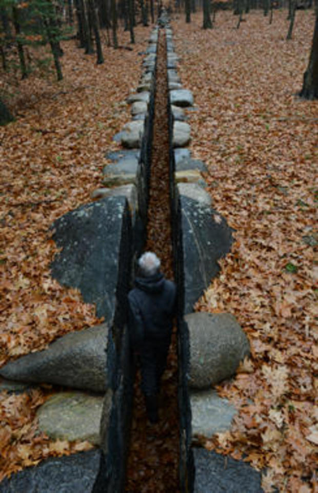 andy-goldsworthy-carved-into-the-earth-244.jpg
