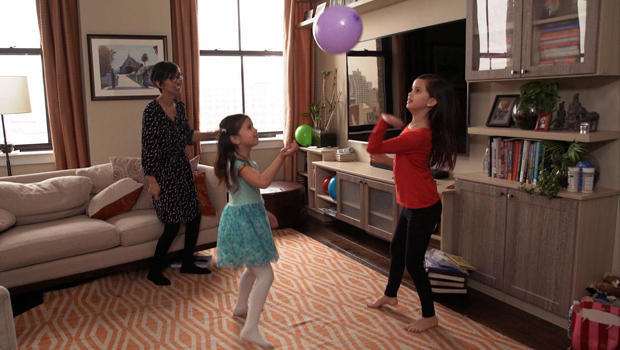 julia-yip-williams-plays-with-daughters-620.jpg