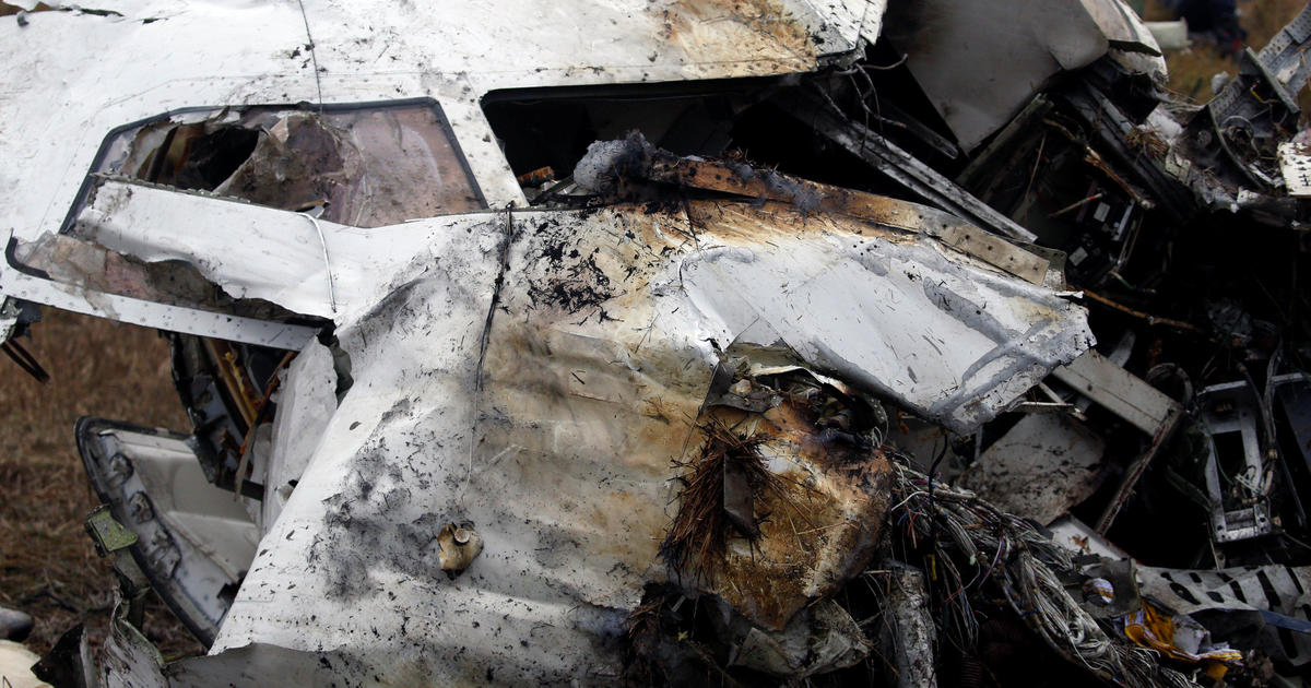 Plane crash that killed dozens followed apparent confusion