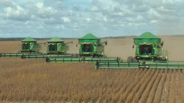 ctm-0322-china-tariff-retaliation-soybean-farmer.jpg
