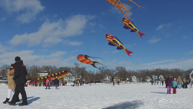 color-the-wind-kite-festival-clear-lake-iowa-a-620.jpg