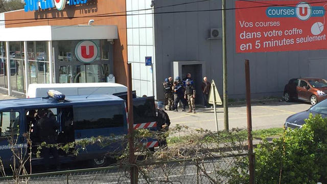 paris-levallois-vehicle-hits-soldiers.jpg