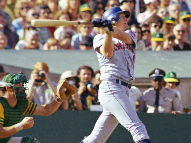Rusty Staub Baseball Player  Action   World Series  1973