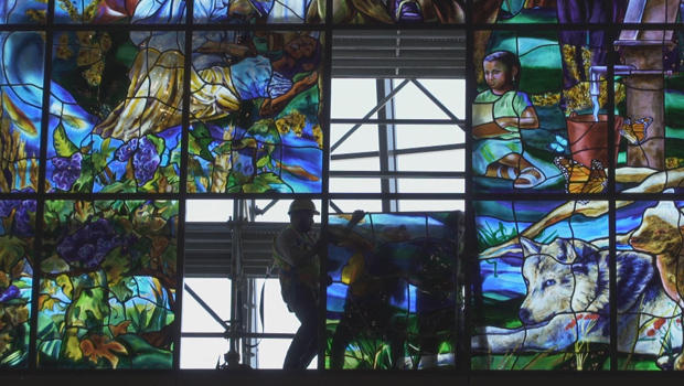 stained-glass-installing-window-panels-620.jpg