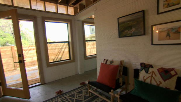Startup 3D prints house in hours for a fraction of average home cost
