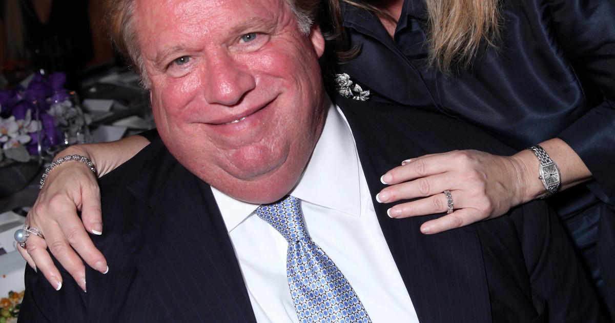 2018 Golf R 0 60 >> Elliott Broidy, RNC deputy finance chair, resigns amid reports of Playmate payoff - CBS News