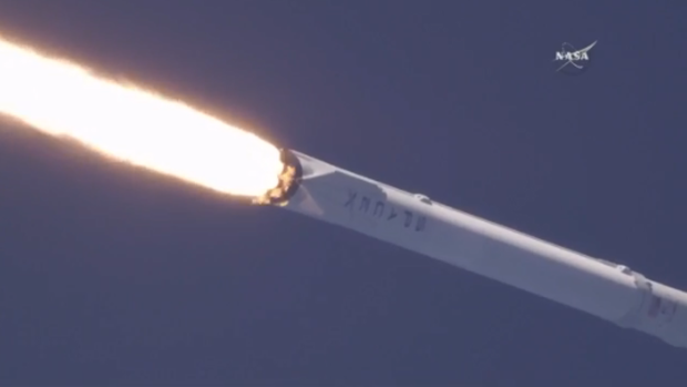 180418-spacex-launch-today-01.png