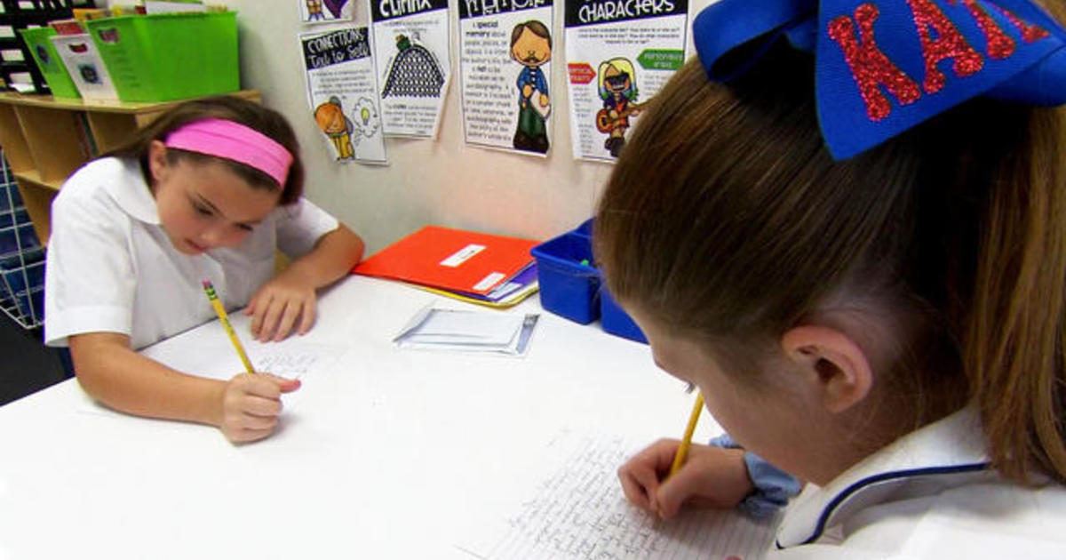 Students connect with seniors through letters in cursive