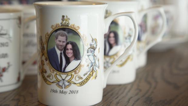 sunday-morning-in-london-harry-and-meghan-tea-cups-620.jpg