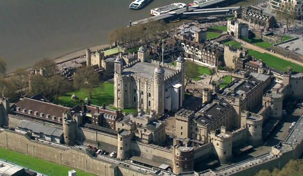 history-of-london-tower-of-london-aerial-view-620.jpg