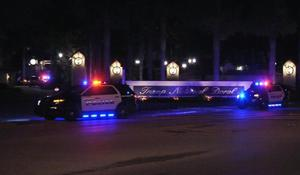 Gunman exchanges fire with police at Trump golf club in Florida
