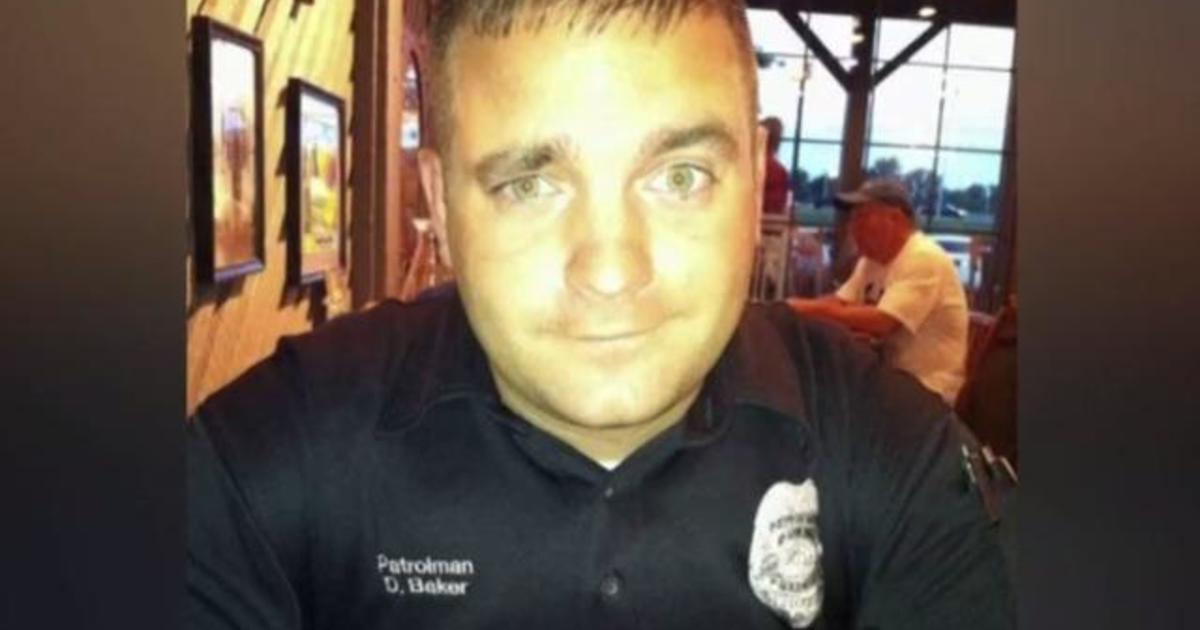 Manhunt underway in Tennessee for suspect in deputy's death