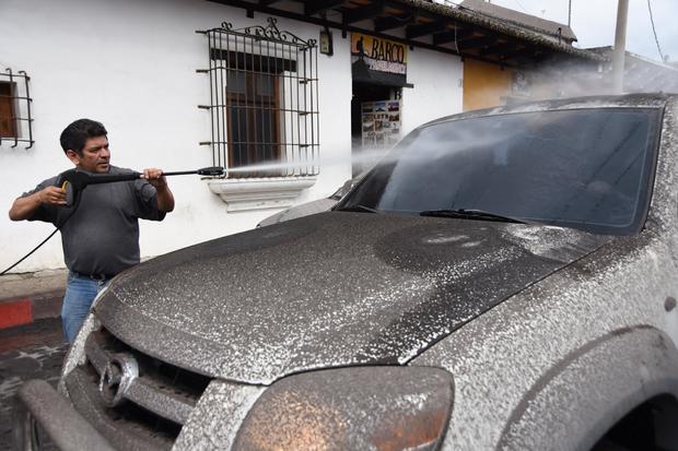 GUATEMALA-VOLCANO-FUEGO-ASH