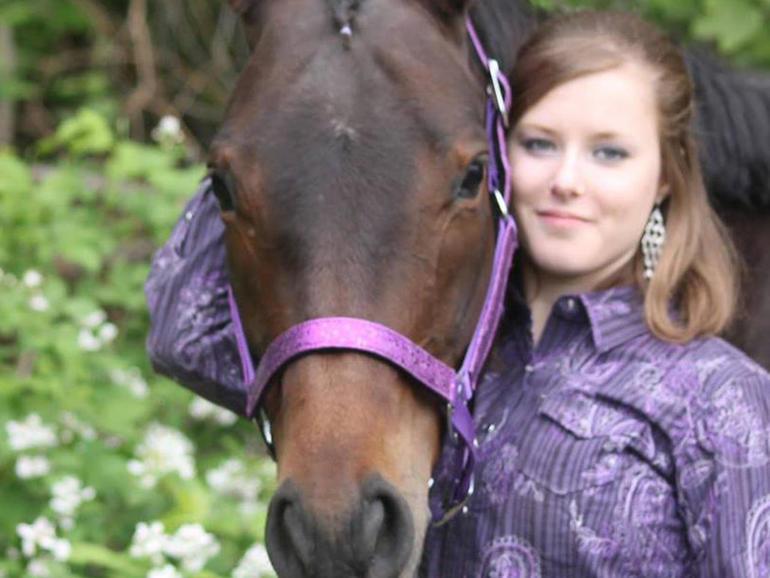 ncis-corwin-horse.jpg