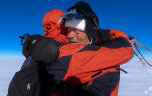 Father and son trek to South Pole, using only renewable energy