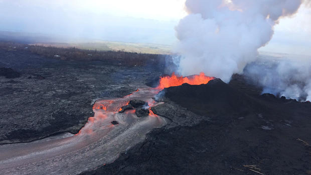 Hawaiis Kilauea Volcano Not Actually Raining Gemstones
