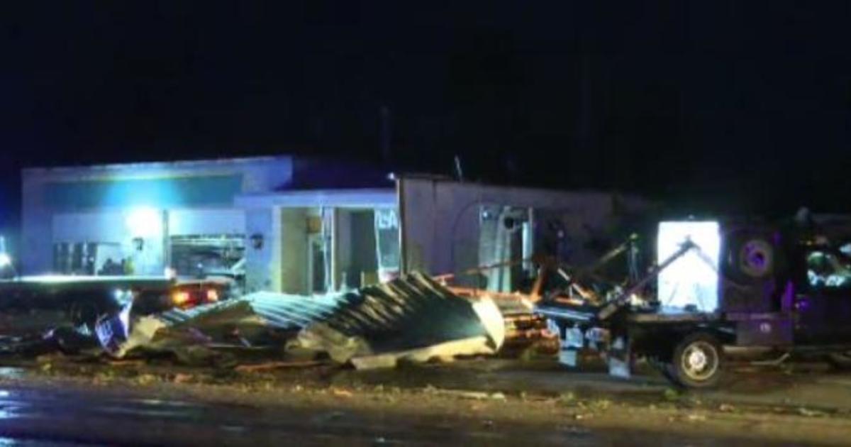 Eureka Kansas Tornado Twister Injures Five Damages