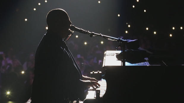 billy-joel-at-msg-silhouette-620.jpg
