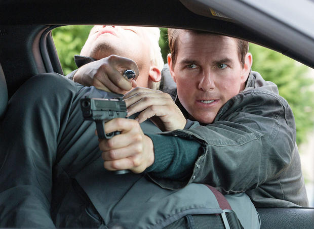 JACK REACHER: NEVER GO BACK, Tom Cruise (right), 2016. ph: Chiabella James/ © Paramount /Courtesy