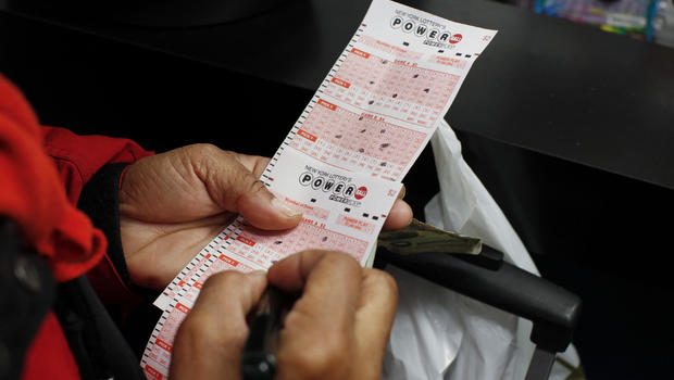 Powerball ticket sold at Staten Island grocery store