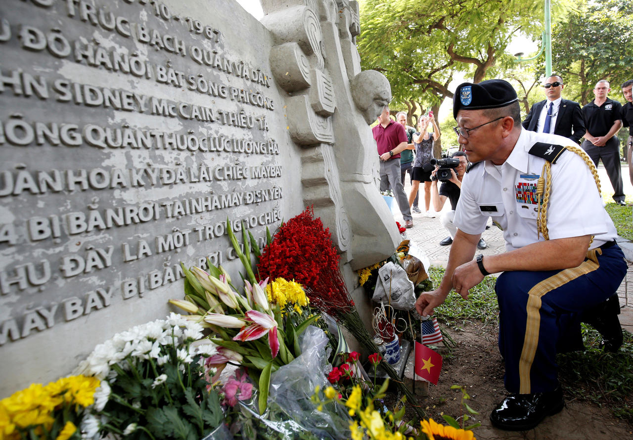 У штаті Аризона почалася церемонія прощання із сенатором Маккейном - Цензор.НЕТ 8698