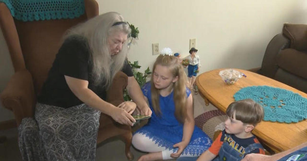 Amid Opioid Epidemic States Experiment With Recovery High >> Grandparents Step In To Raise Kids Amid Opioid Crisis