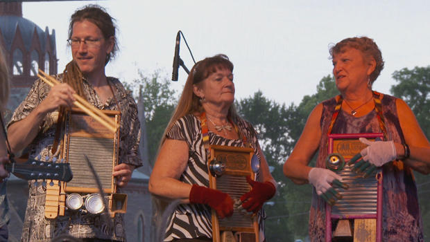 washboards-musicians-at-the-washboard-music-festival-620.jpg