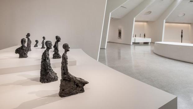 giacometti-at-guggenheim-museum-installation-view-620.jpg