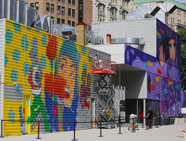 wtc-street-art-t2-graffiti-artists-11.jpg