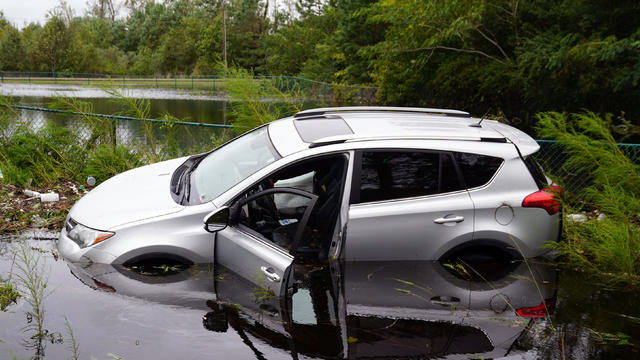 flood-cars-aerial.jpg