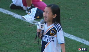 7-year-old girl's moving rendition of national anthem stuns crowd
