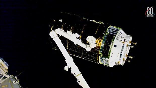 japanese cargo ship reaches space station cbs news