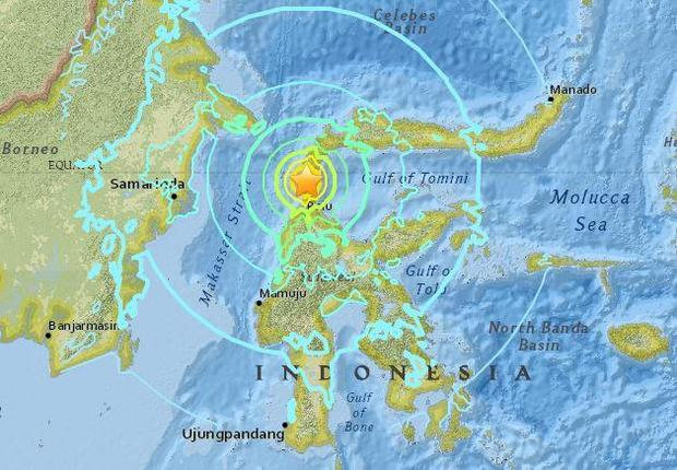 Indonesia earthquake today tsunami occurs after 75 magnitude quake indonesia earthquake today tsunami occurs after 75 magnitude quake north of sulawesi live updates cbs news gumiabroncs Images